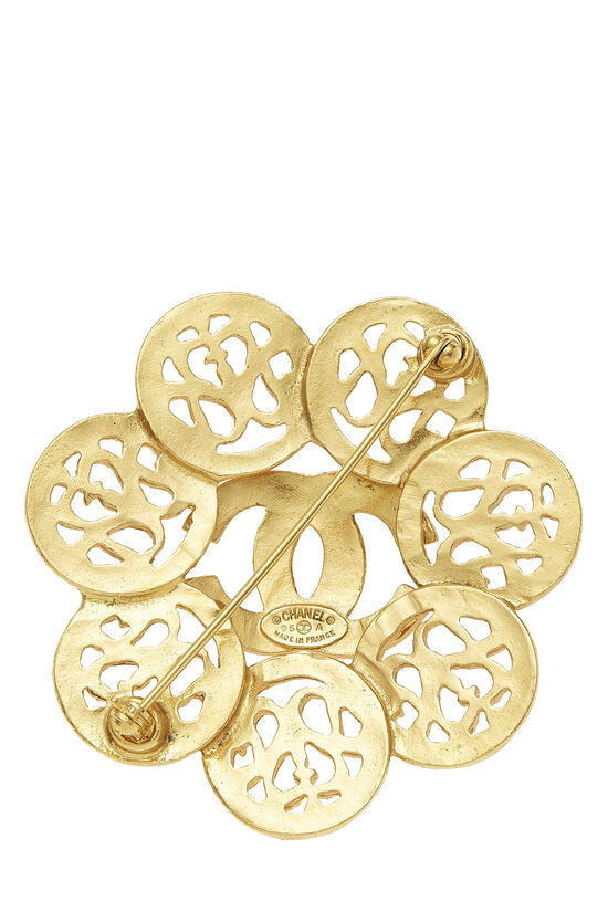 Gold 'CC' Fretwork Flower PIn, , large image number 1