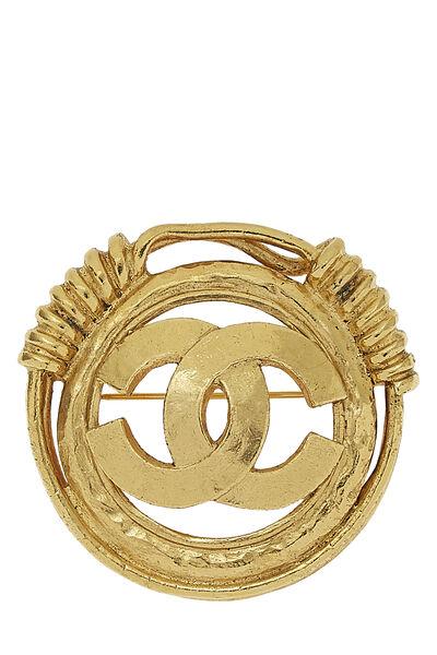 Gold 'CC' Spring Border Pin