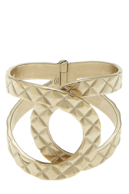Gold Quilted Interlocking Cuff, , large image number 2
