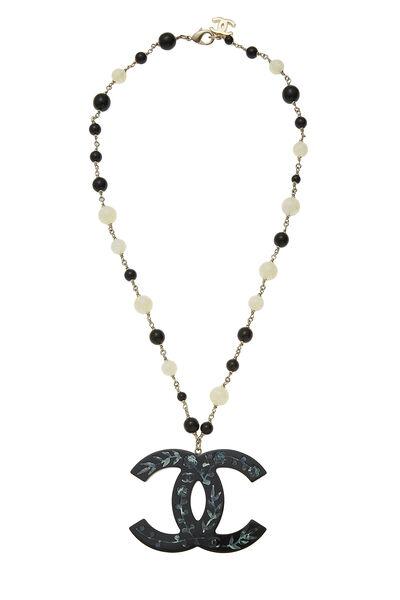 Black & White Acrylic Beaded 'CC' Necklace