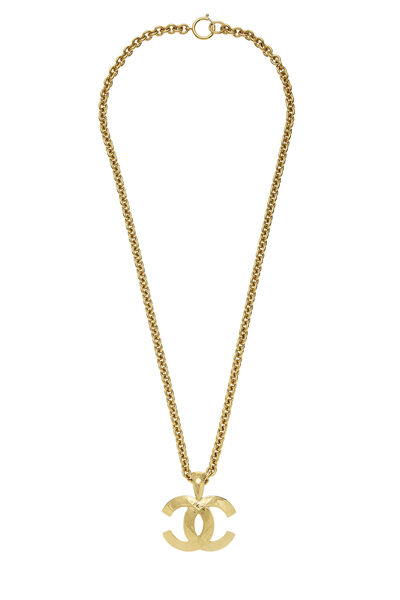 Gold Quilted 'CC' Necklace Large