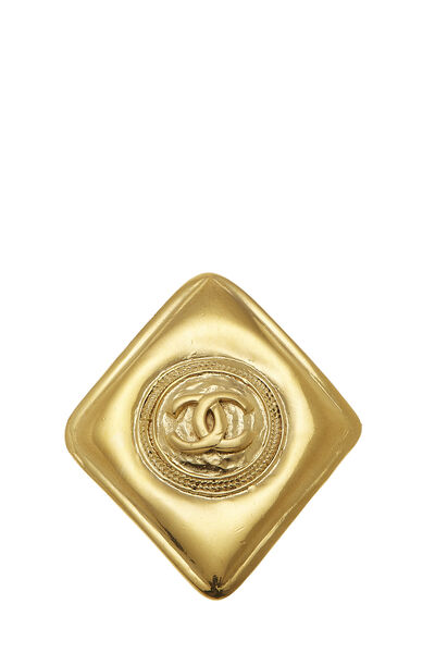 Gold 'CC' Stamped Pin